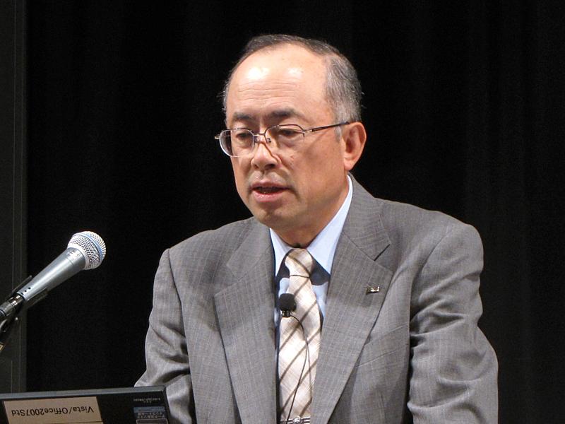 KDDI取締役執行役員常務の嶋谷吉治氏