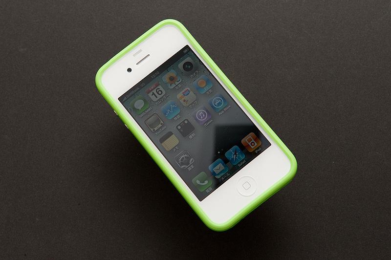 オプション品の「Apple iPhone 4 Bumper」
