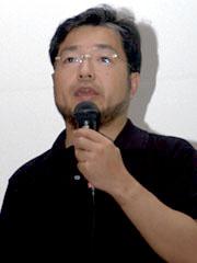 NTTドコモ スマートフォン事業推進室の山下哲也氏。同社でスマートフォン向けのサービスや戦略を担当する