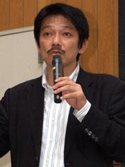 ソニー・エリクソン・モバイルコミュニケーションズ 営業本部の小林弘明氏。ソニーで長年世界各国のマーケティングを担当した後にソニー・エリクソンの国内マーケティング担当となった