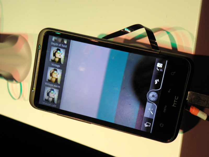 カメラのユーザーインターフェイス。画像加工機能なども備える
