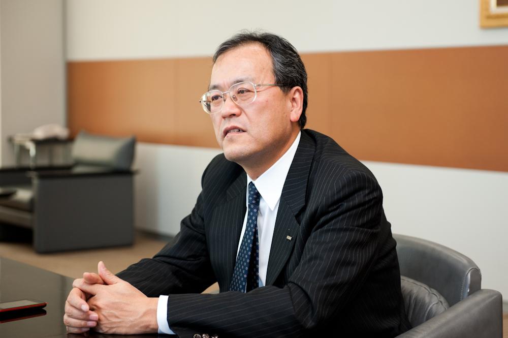 KDDI 代表取締役社長の田中孝司氏
