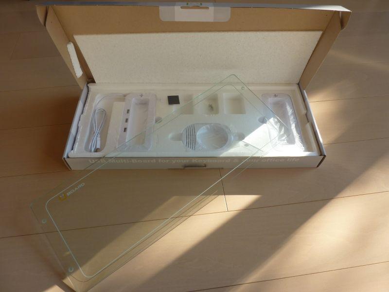 パッケージを開けると部品がズラリ。しかし組み立ては簡単