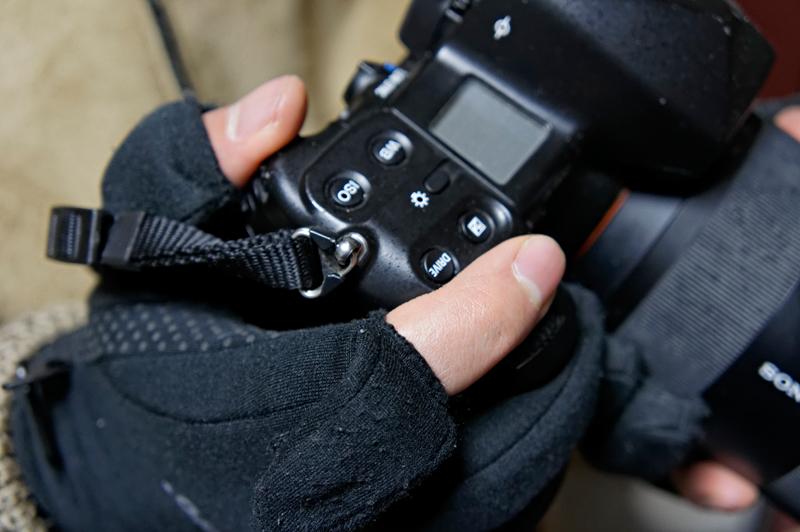 こちらは本来の目的であるカメラの操作。ダイヤル部分がとても操作しやすい