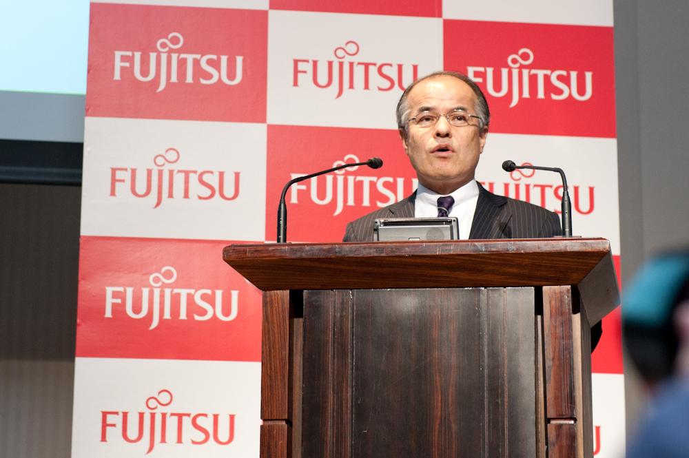 KDDI 取締役執行役員常務 コンシューマ事業本部長の湯浅英雄氏