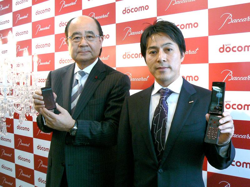 バカラの小川氏(左)とドコモの伊藤氏(右)