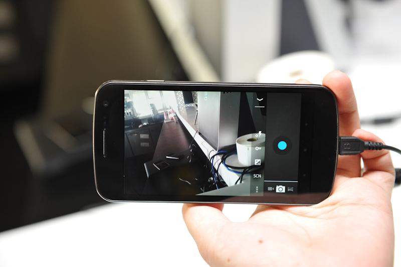 カメラのファインダー画面、タッチフォーカス、編集など機能も拡充された