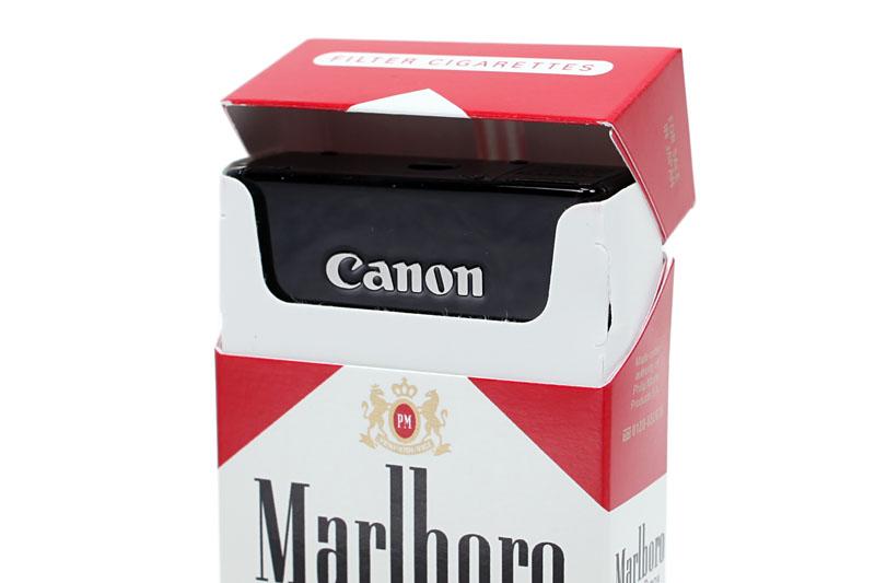 サイズは幅85.8×高さ53.5×奥行き19.8mmで、撮影時質量は約163g。タバコの箱に収まったりするポケットサイズのカメラですな。専用ケースのIXC-480に入れた状態でもポケットサイズ