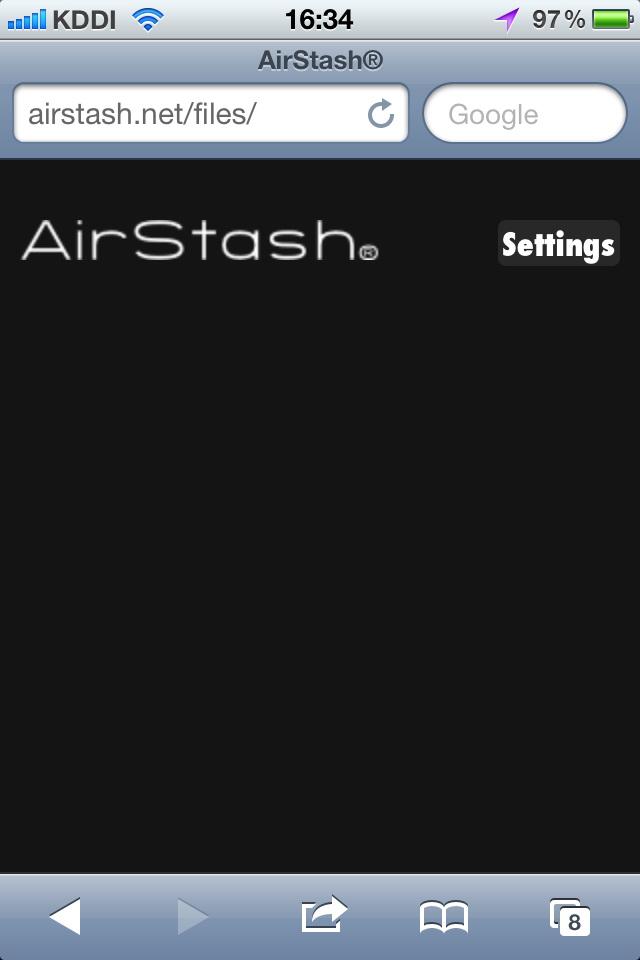 AirStashに無線LAN接続したら、ウェブブラウザでAirStashにアクセスする。接続先URLは「http://airstash.net」(実際は「airstash.net」だけでOK)。AirStashにSD/SDHCメモリカードを挿していない場合、上のような表示になるので、[Settings]から設定画面に入る。と言ってもSSIDや接続チャンネルの変更や、暗号化パスワードの設定をする程度ですな。暗号化パスワード([Security]の項目)以外は初期値でも問題ない