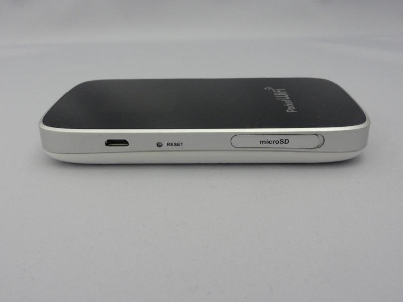 左側面にmicroUSB、リセットボタン、microSDカードスロット