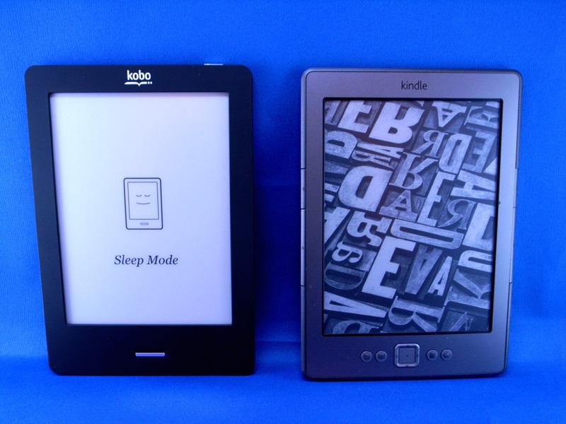 Kindleと比較。幅・高さ・厚み・重量とも、ほぼ同等