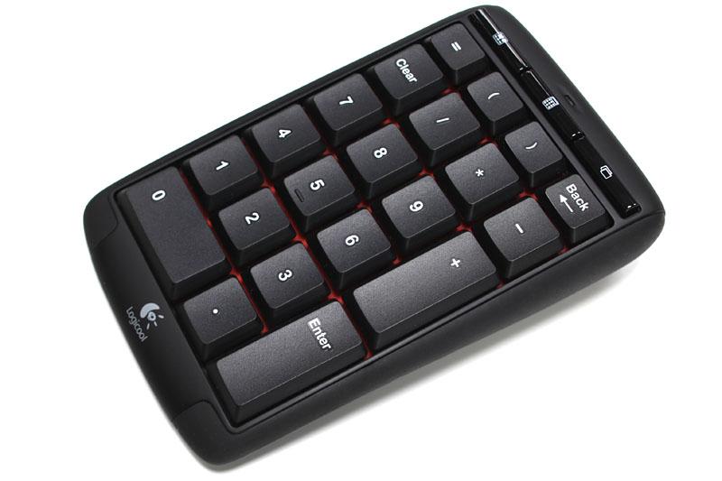 ロジクールの「Logicool Wireless Number Pad N305」。無線式テンキーパッドで、付属USBドングルはUnifyingに対応している。