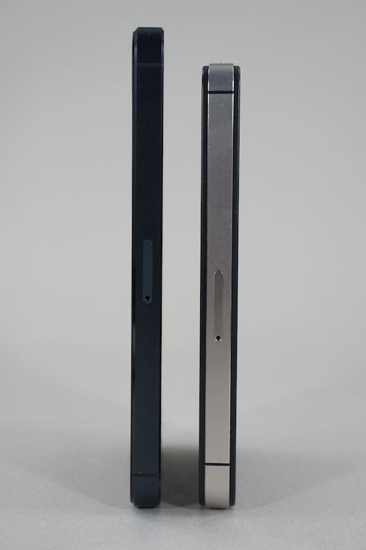 左がiPhone 5、右がiPhone 4S