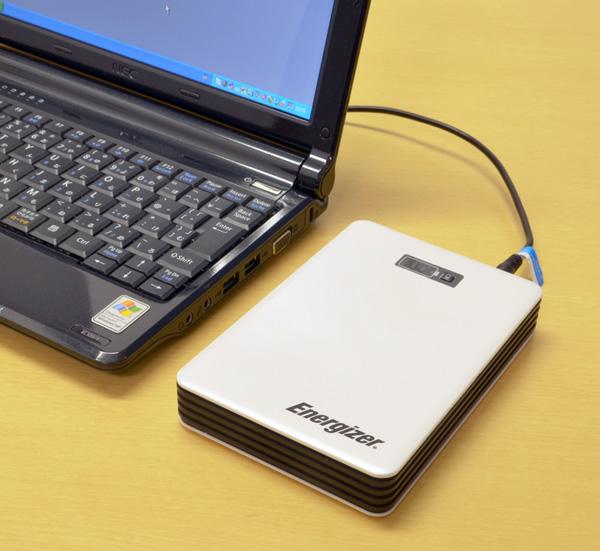19V出力対応で、ノートパソコンのバッテリーも充電可能
