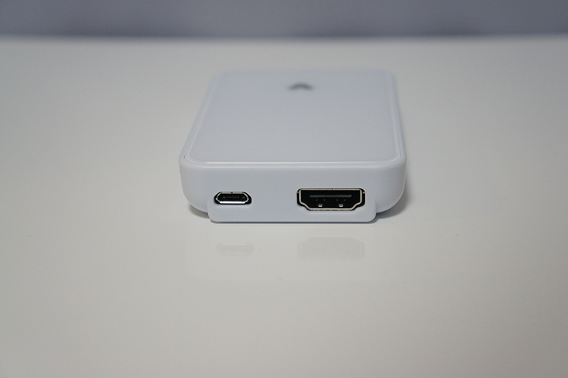 HDMIとmicroUSBポートを搭載