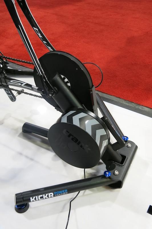 Kickr Power Trainer本体。自転車は自分で用意する必要がある