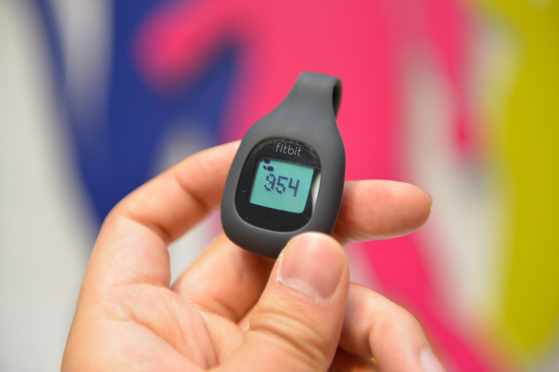 「fitbit one」