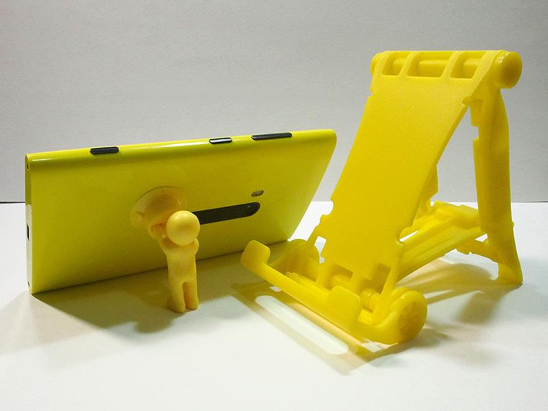 筆者のLumia 920黄色によく似合う