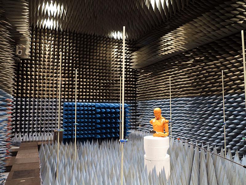 電波無響室