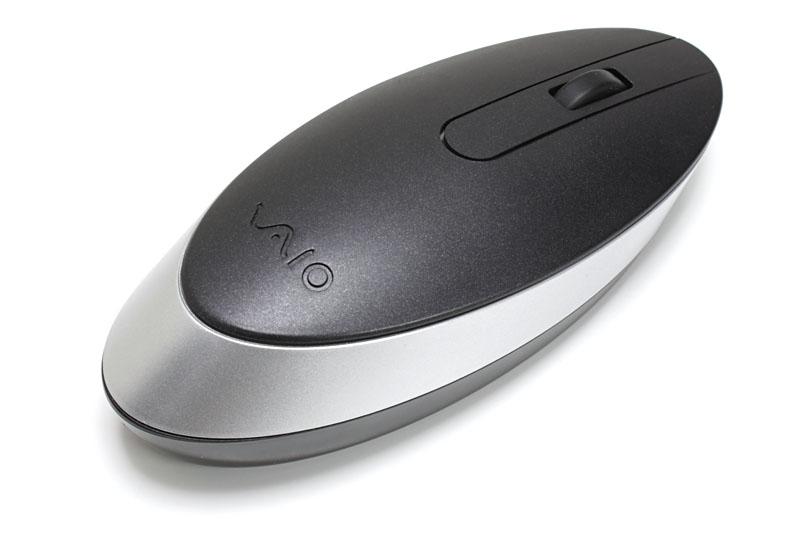 ソニーの古めBluetoothマウス「VGP-BMS30」もつないでみた。画面上にはマウスポインタが出現。なんかミニパソコン的な風情でちょっと楽しげ。実用性も高いっす。ただ、トラブルが頻発するようになった