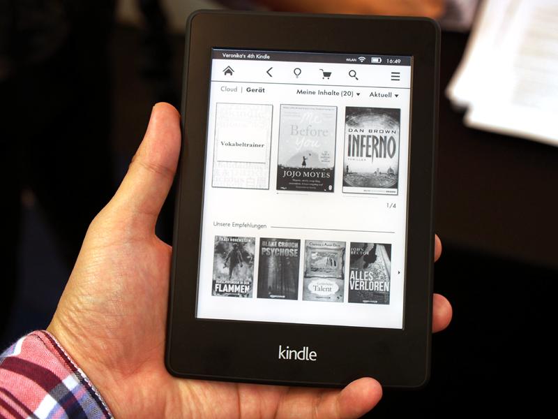 Amazonは発表したばかりの「Kindle Paperwhite」新モデルを出展