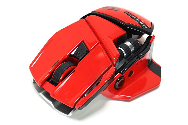Mad Catzの「M.O.U.S.9 (MC-M9E)」。Bluetooth 4.0の省電力モード「Bluetooth Smart」(Bluetooth Low Energy/BLE)対応のマウスで、最大1年の電池寿命がある。サイズも少々調節でき、横スクロールホイールも便利。だが、表面がツルツルで手に汗をかくと不快な使用感となったので使わなくなった