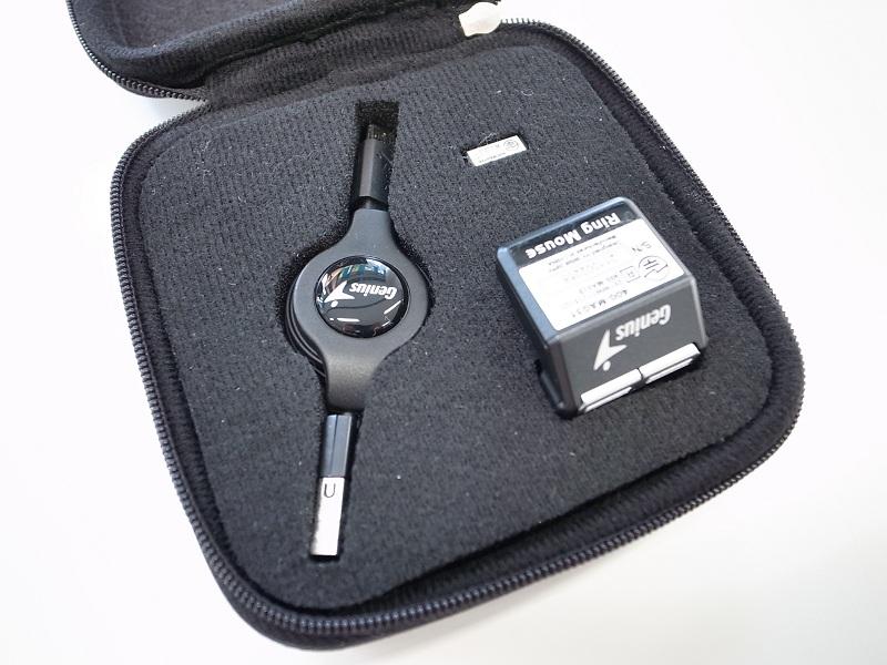 リングマウス本体以外にも、充電用ケーブルとUSBレシーバーが付属する