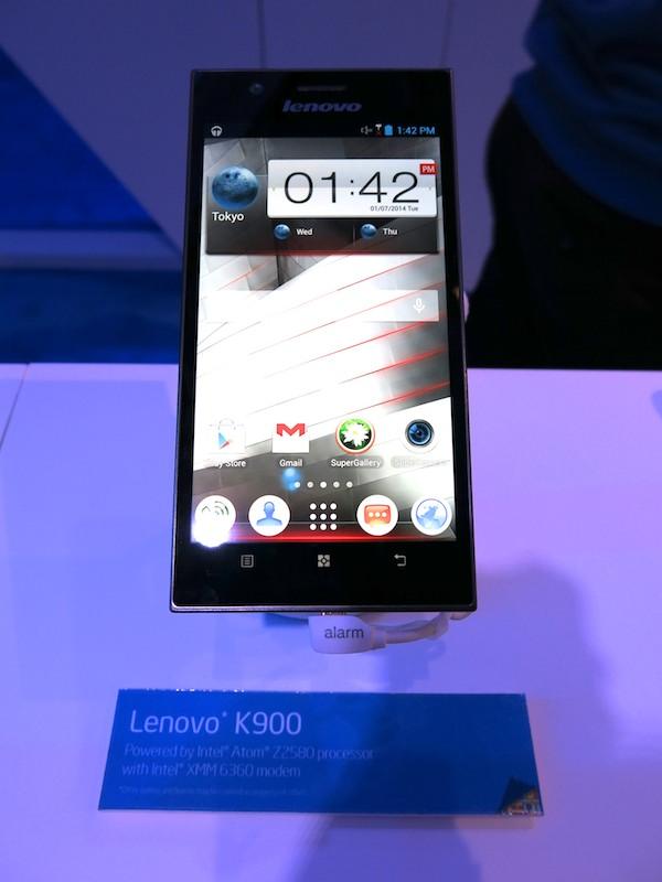 インテルのAtom Z2580を搭載するLenovo K900