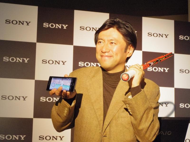 「Smart Tennis Sensor」を紹する、ソニー UX・商品戦略本部長 古海英之氏