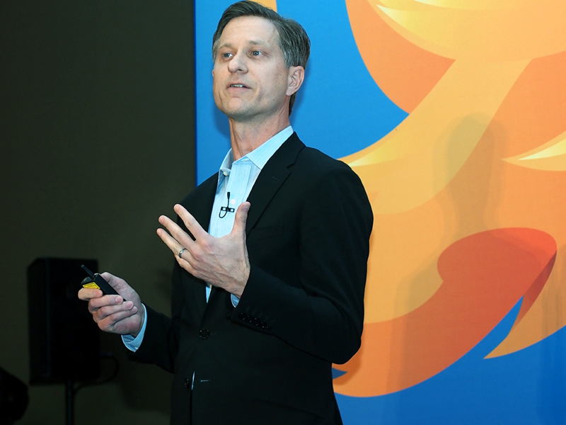 Firefox OSの実績と今後の展開を語ったChief Operationg Officerのジェイ・サリヴァン氏
