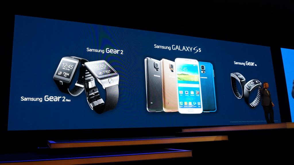 MWC 2014に合わせて開催された『SAMSUNG UNPACKED 2014 EPISODE 1』で、フラッグシップモデル「GALAXY S5」とウェアラブル端末を発表した