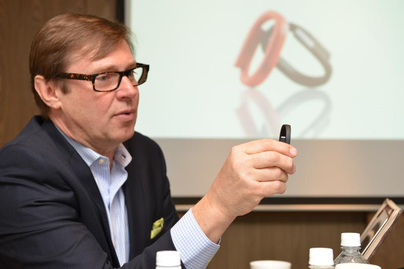 「UP24」を解説するJawbone 国際パートナー・製品開発部門 責任者のヨーゲン・ノルディン氏