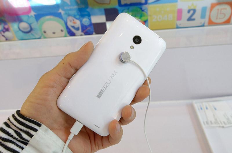 現在中国とロシアで販売しており、11月には北米にも進出予定だという