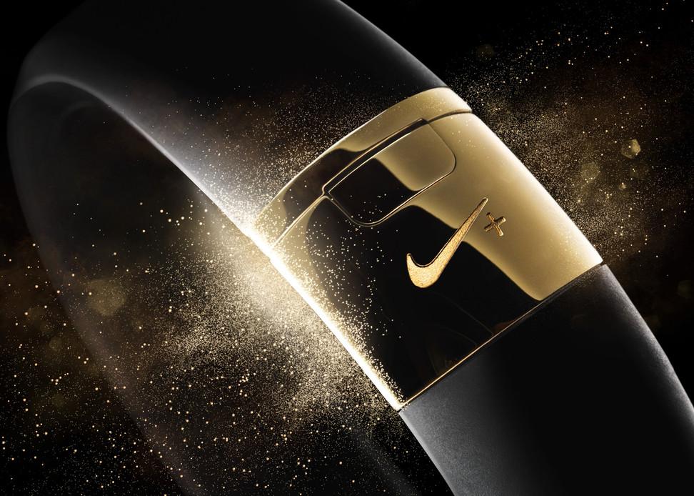 Nike+ FuelBand SE ゴールド