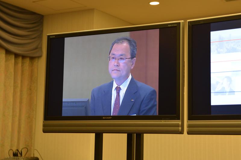 株主総会に登壇したKDDI 代表取締役社長の田中孝司氏