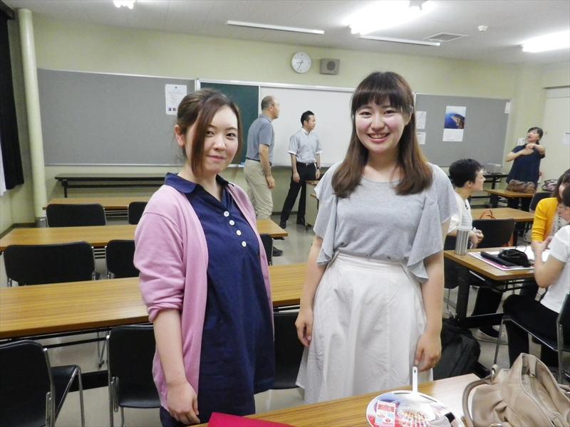 サポーターを務めてきた青森公立大学の松橋美佳さん(左)、高村菊子さん(右)