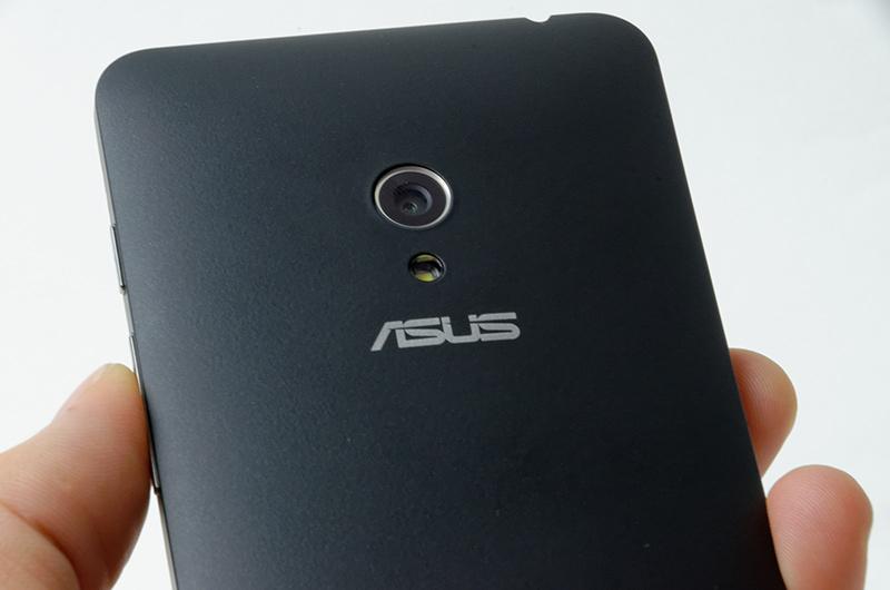 ASUSの最新スマートフォンZenFone 5
