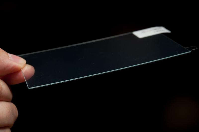 貼り付ける前の液晶保護ガラス