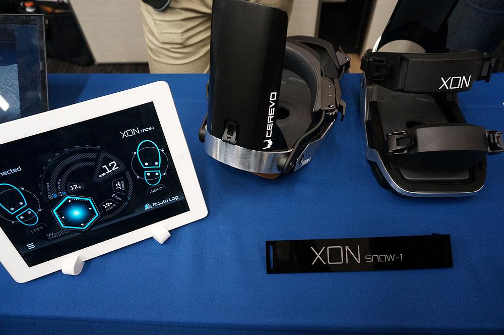 Cerevoが開発したスマホ連携のスノーボード用具「SNOW-1」。Bluetoothでスマートフォンやタブレットに繋がり、滑走データを確認できる