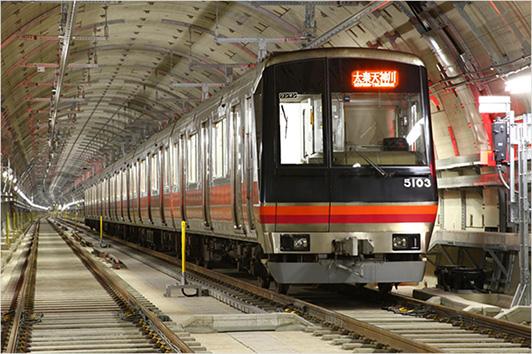 京都市営地下鉄東西線(ソフトバンクのプレスリリースより引用)
