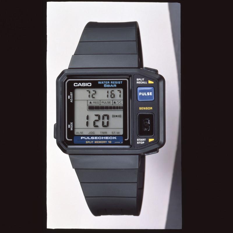 脈拍測定機能を搭載したスポーツウォッチ「JP-100W」:1987年(昭和62年)発売