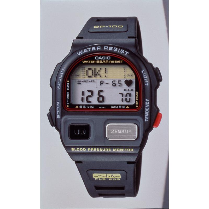 腕時計型の血圧計「血圧ウォッチャー BP-100」:1992年(平成4年)発売