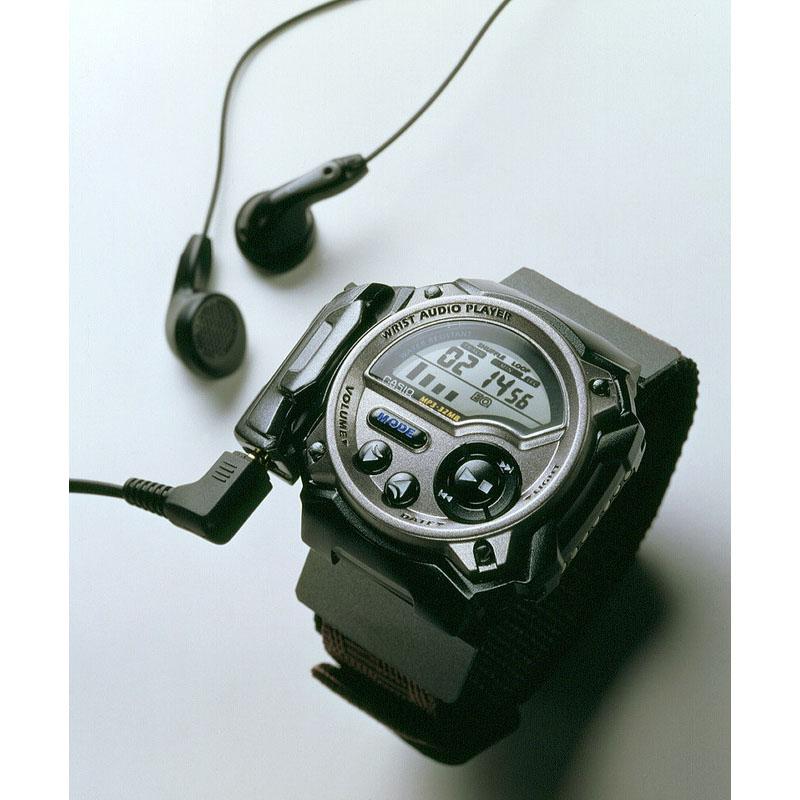世界初の腕時計型MP3プレーヤー「リストオーディオプレーヤー WMP-1」:2000年(平成12年)発売