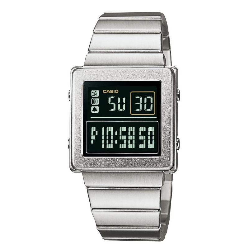 世界初のクロースアップマジック機能を搭載した腕時計(トランプ付き):2006年(平成18年)発売