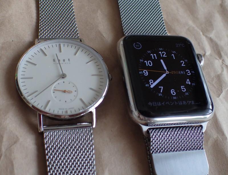 Apple Watchの5分の1以下の出費で買える良質一番の腕時計Knot(左)