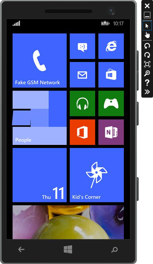 画面下のスタートをタップすると、Windows Phoneのスタート画面が表示される。設定を日本語にすることで、日本語表示や日本語入力も可能