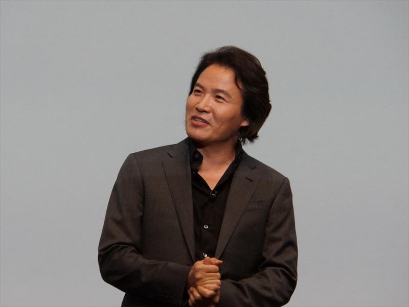 Samsung payについて説明するSamsung ElectronicsのHead of Samsung payのExecutive Vice PresidentのInjong Rhee氏