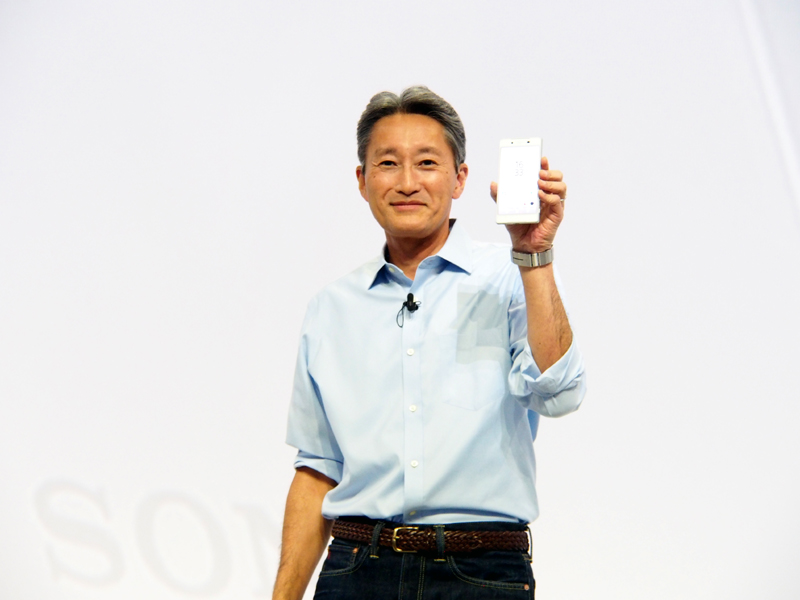 Xperiaを紹介するソニーの平井CEO