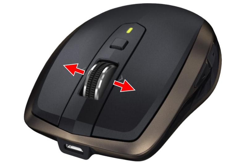 「MX Master」(左)の場合、画面の横スクロールはマウス横側のホイールを回します。風変わりな位置と機構なので、若干の慣れが必要です。「MX Anywhere 2」(右)の場合、ホイールを左右に傾ければ横スクロールになります。直感的でわかりやすく慣れやすいです。