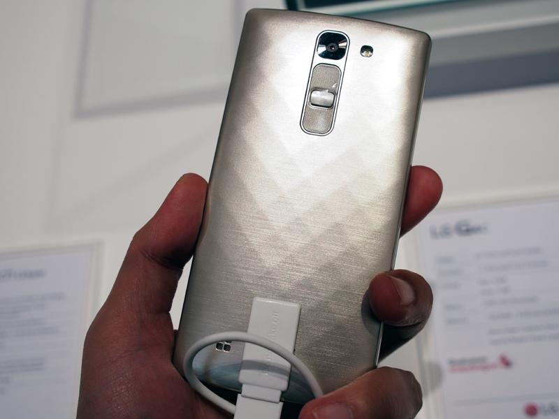 G4の廉価版的な位置づけとなる、ミッドレンジモデルの「G4c」